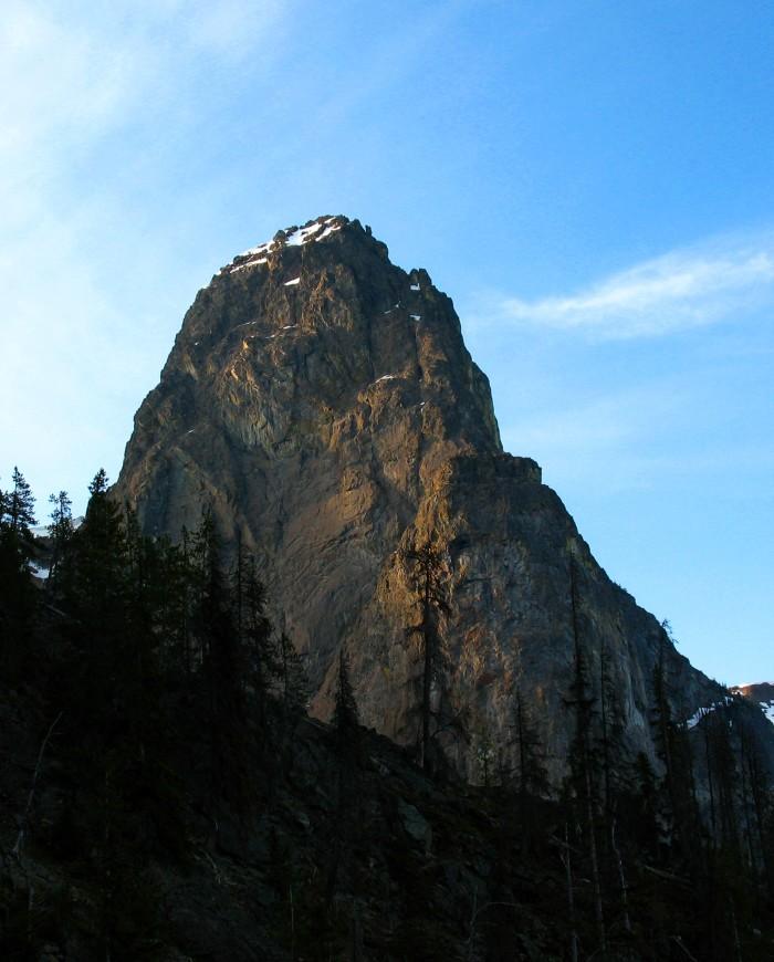 8. Hozomeen South Peak