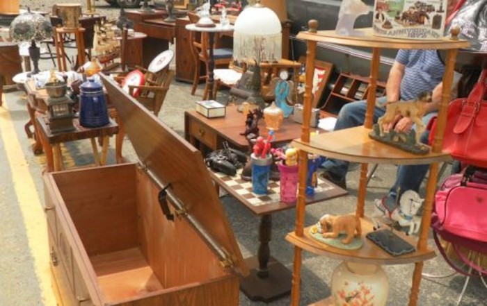 7) Jamie's Flea Market (Amherst)