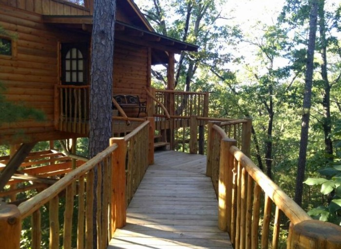 2. Treehouse Cottages