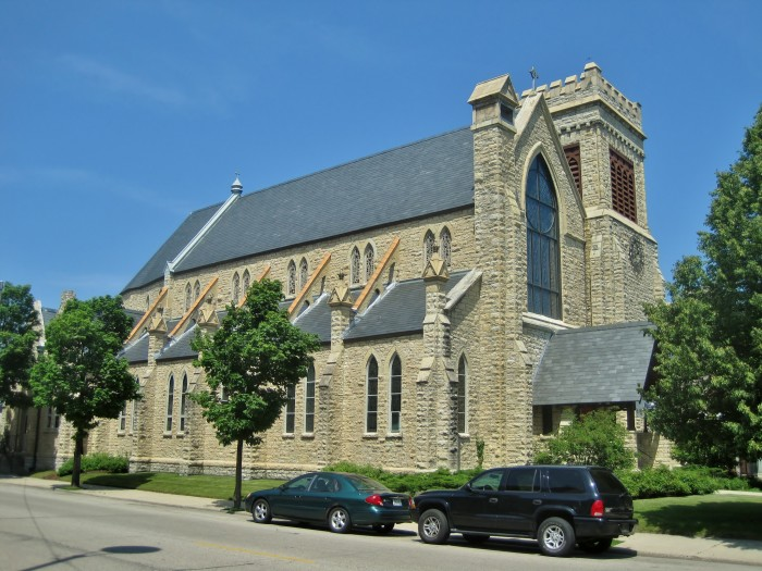 9. St. Matthew's Episcopal Church (Kenosha)