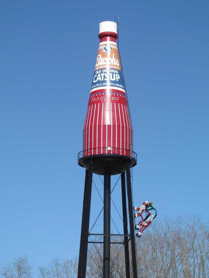 8. Illinois has the largest bottle of ketchup