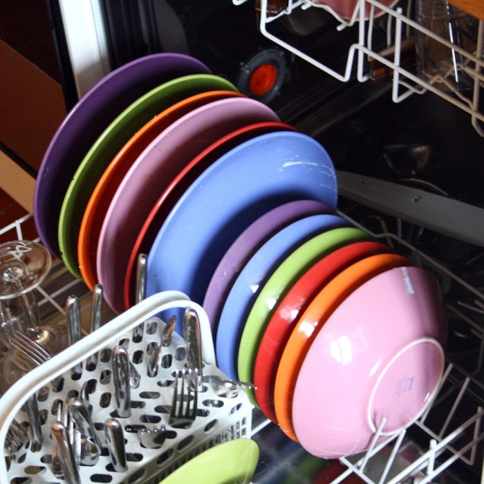 8. The first mechanical dishwasher was developed in Shelbyville (1885)