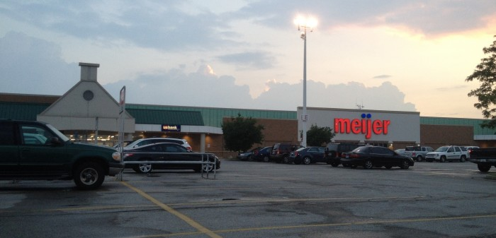 """9. But some of us like to put """"S"""" on the end of store names--like MeijerS and JewelS"""