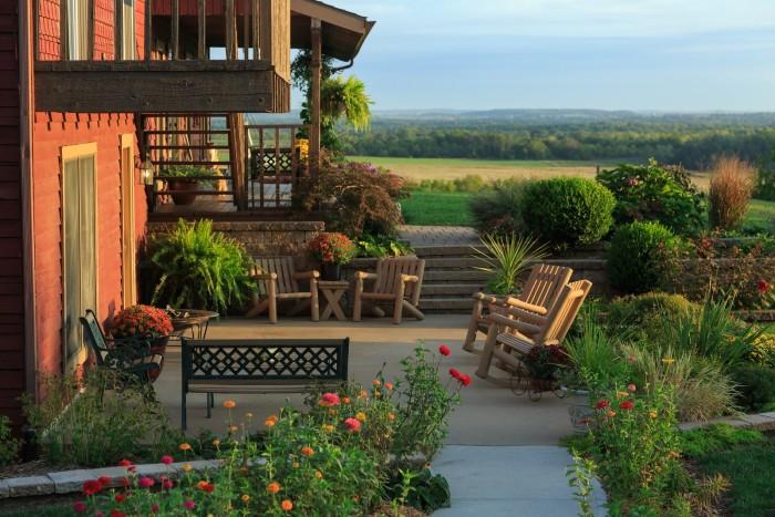 10. Cedar Crest Lodge (Pleasanton)