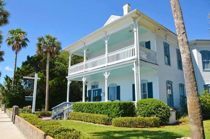 12. Bayfront Westcott House Bed & Breakfast