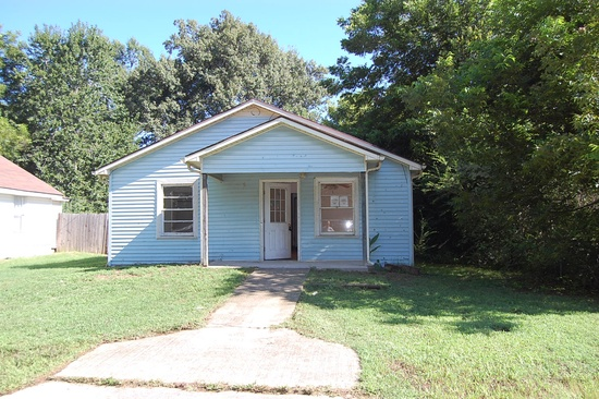 12. 1111 Southern St, Naylor, MO 63953 (2 beds 1 bath 728 sqft) $13,000