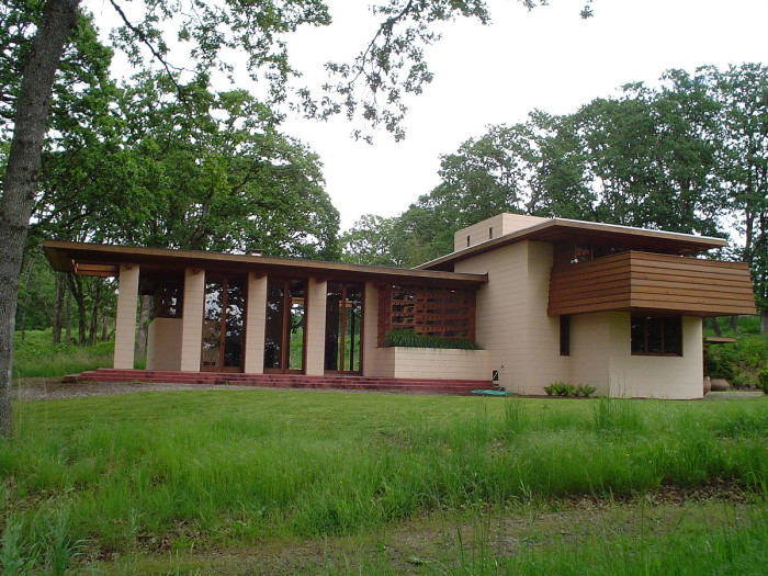 7) Gordon House, Silverton
