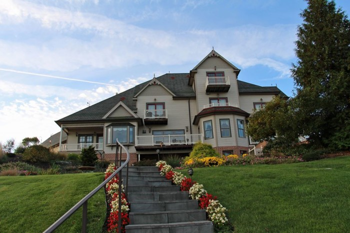 5. The Hurst House Bed and Breakfast, Ephrata
