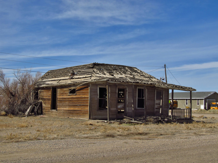 these 9 creepy houses in nevada may be haunted