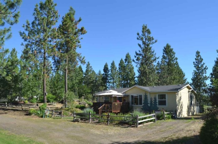 ...but you'll have a lot more room for activities and even save some money on this 3-bedroom, 2-bath (1,217 sqft) home in Cheney, Washington posted for $189.5K!
