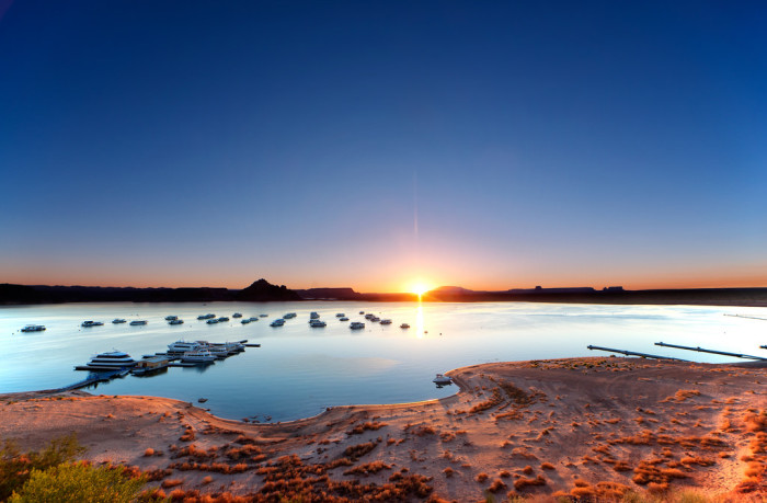 15. Let's round out this article with a sunset view of the beach at Lake Powell.