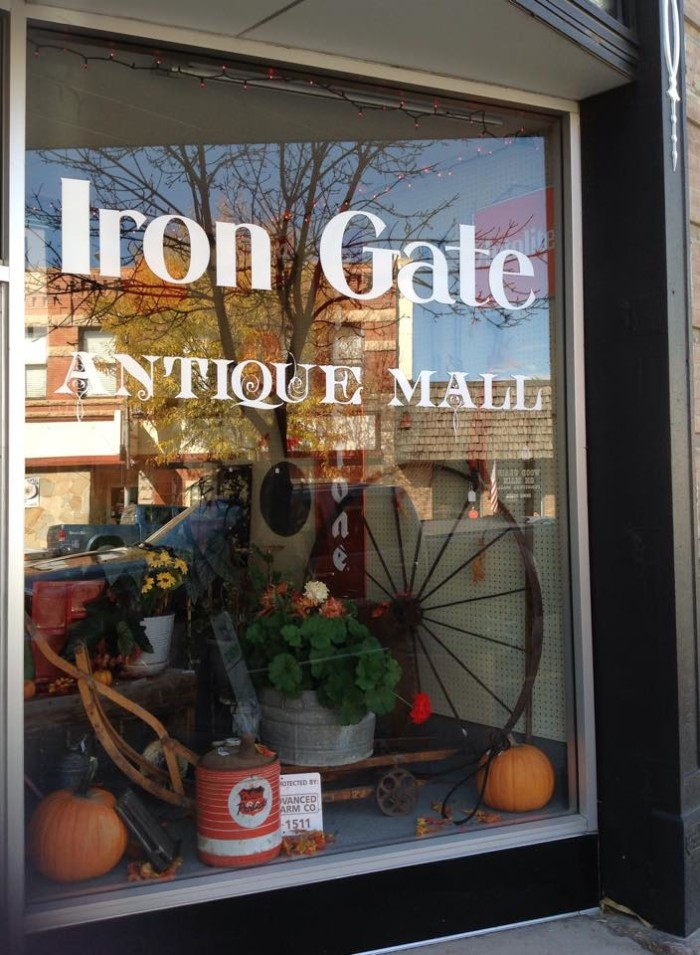 1. Iron Gate Antique Mall (Florence)