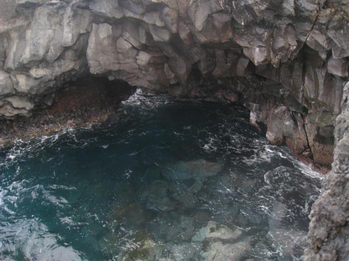 2) Located on Maui's Road to Hana is Waianapanapa Caves, the site of the ancient murder of Popu'alaea by her husband, King Ka'akea.