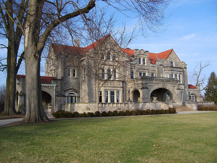 2. Elizabeth Ball Center Castle in Muncie