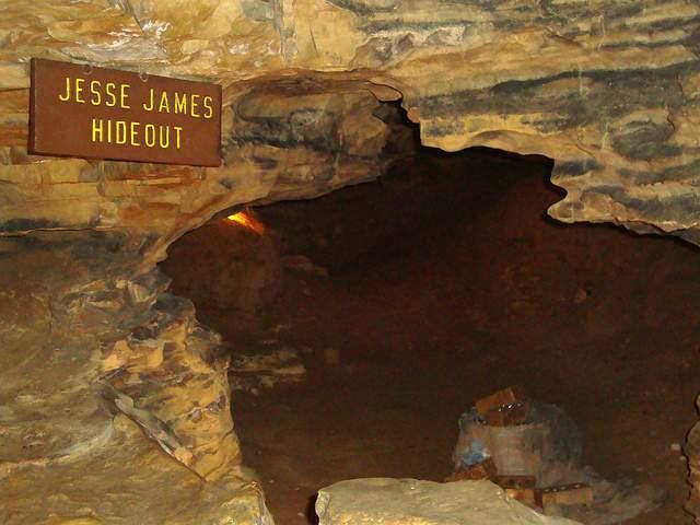 2. Mark Twain Cave, Hannibal