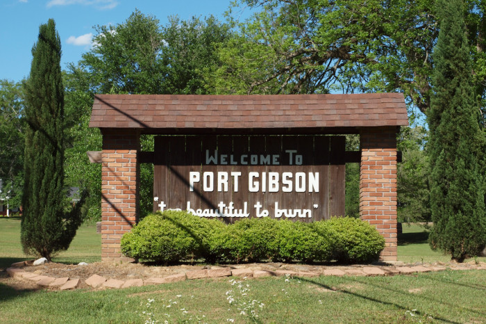 port gibson jewish women dating site In port gibson, people will visit the oldest standing synagogue building in mississippi, gemiluth chassed upon arrival in natchez, conference attendees will gather under the dome of temple b'nai israel to learn about the state's oldest jewish community.