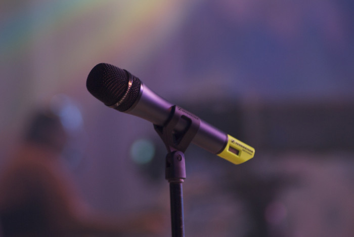 3. Attend an open mic at Firecreek Coffee Company in Flagstaff.