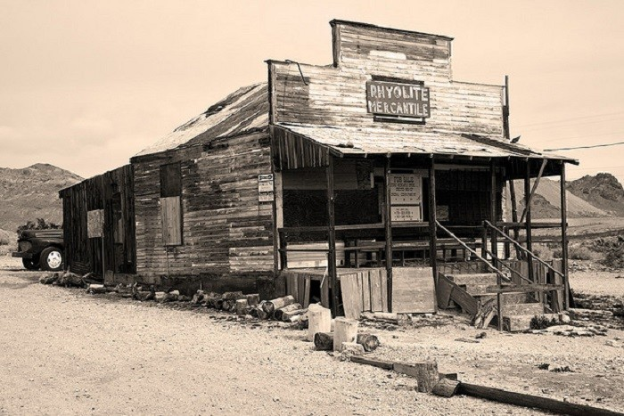 6. Rhyolite Mercantile was a general store located in Rhyolite, Nevada in the early 1900s. Sadly, this historic building burned in September 2014 after it was struck by lightning.