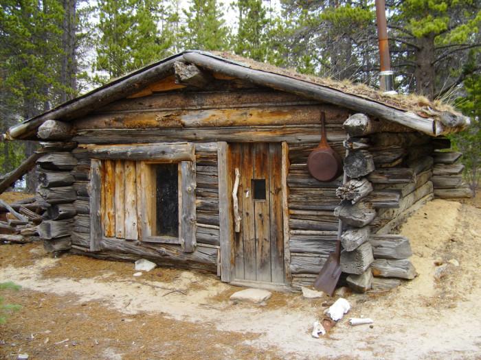 6) Bennett Cabin