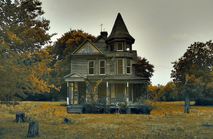 12 Photos of Creepy Haunted Houses in Texas