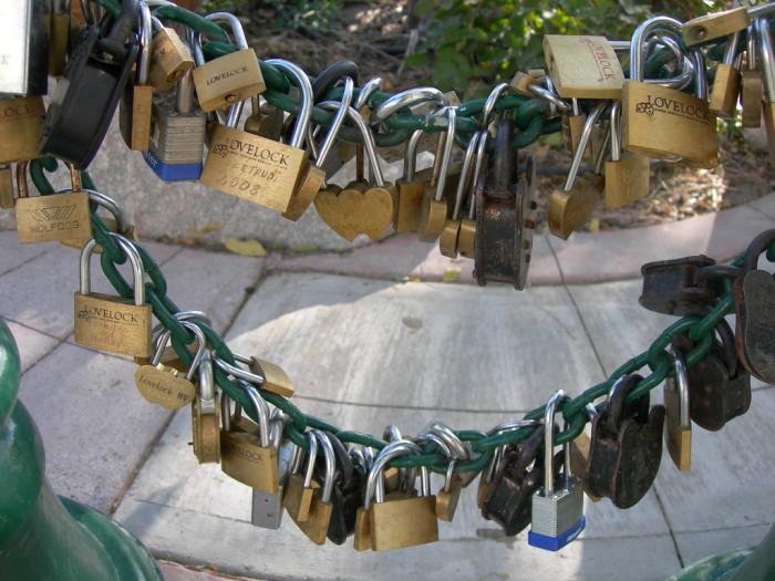 9. Lovelock - Lovers Lock Plaza