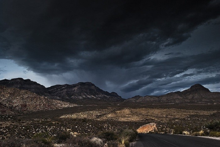 10. A massive storm is quickly approaching Summerlin. I definitely wouldn't want to be out in THAT!!!