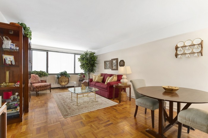4. This elegant 1-bedroom apartment in the Upper East Side area of New York is listed for $699,000!