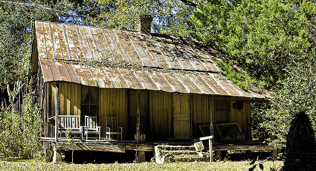 9. Alachua is home to this abandoned old house that almost looks like the set from a scary movie, but it was actually built here in 1900.