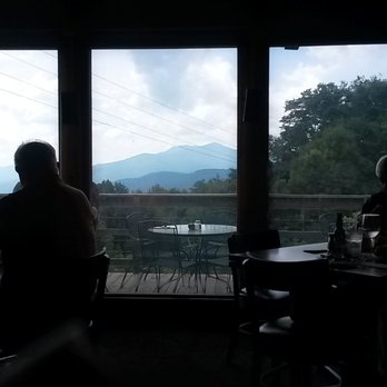 4. Canyons Historic Restaurant and Bar, Blowing Rock