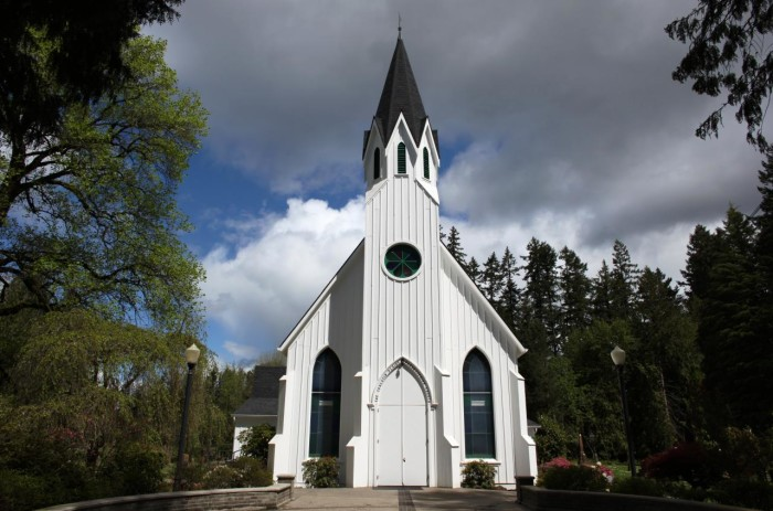 7) Tualatin Plains Presbyterian Church, Hillsboro,