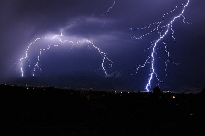 5. This lightning storm over Washoe Valley is MASSIVE!!!