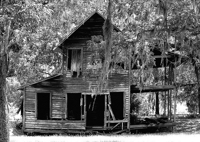 6. This dilapidated house in Brooker looks like the classic image of a haunted house.