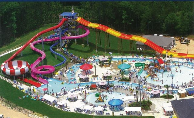 4. Grand Paradise Waterpark, Collins