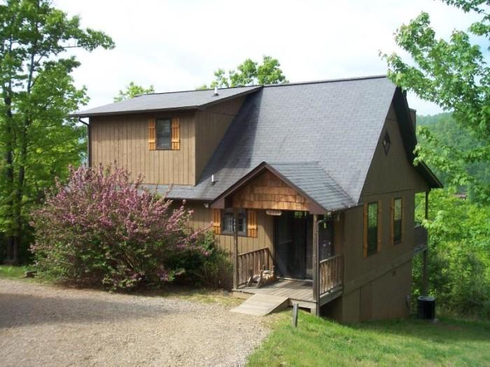 2. Laurel Mountain Cabins in Hiawassee, GA