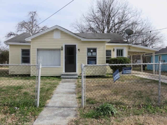 5. Looks like your money will go a long way in Greenville. This 1,264 square foot home, which is in pretty good condition, has an asking price of just under $10,000.