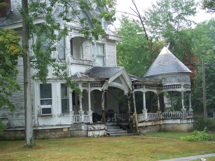 5. This house is sitting in North Vernon. It almost looks like the porch is going to clamp down and eat you if you step onto it…