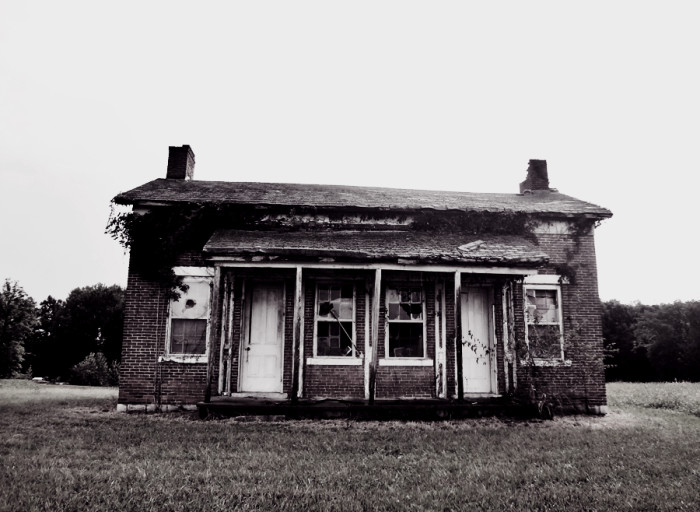4. Apparently there are a lot of creepy houses in Jennings County… The lack of color just makes it worse.
