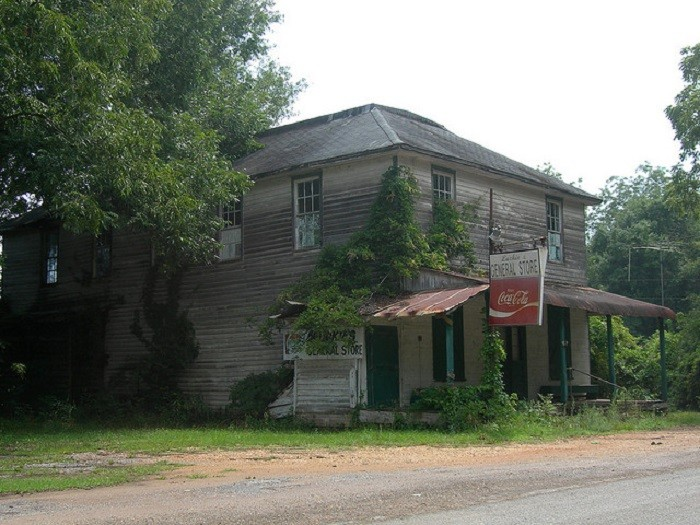 3. Luckie's General Store is located in the downtown area of Forest Home, Alabama.