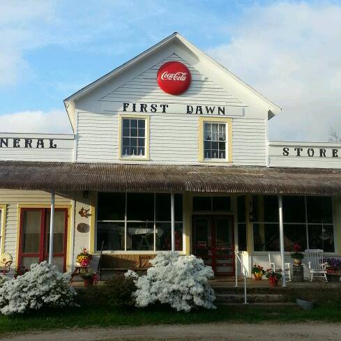 7. First Dawn General Store & Lesterville Florist & Gifts, Lesterville