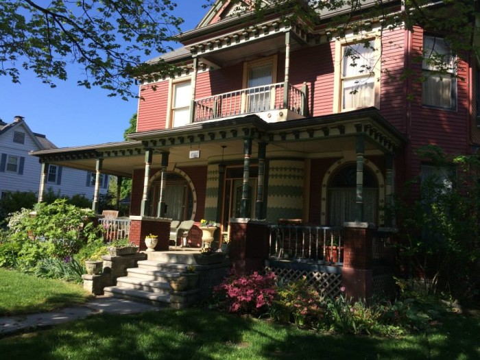 7. Grand Avenue Bed and Breakfast, Carthage