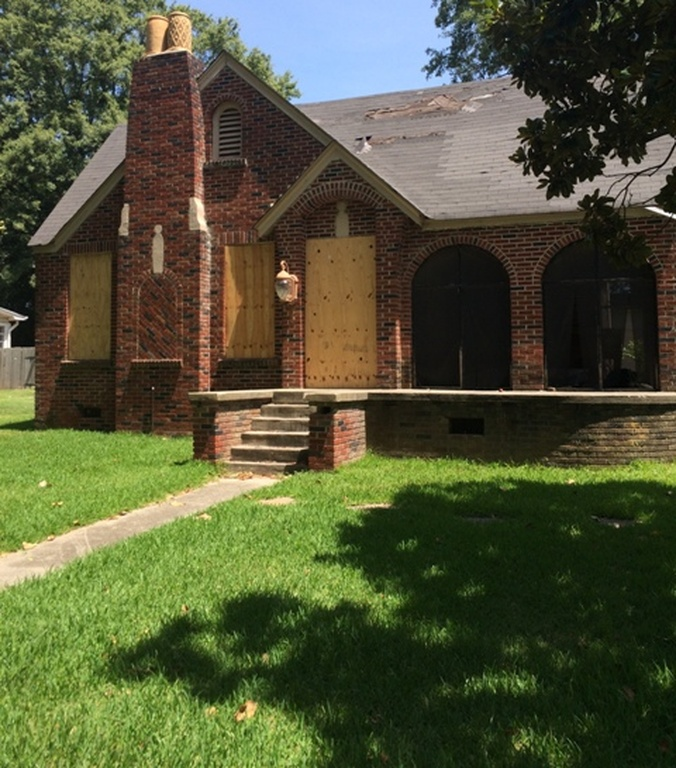7. Located in Shaw, Mississippi, this foreclosed home has a price tag of just $5,300.