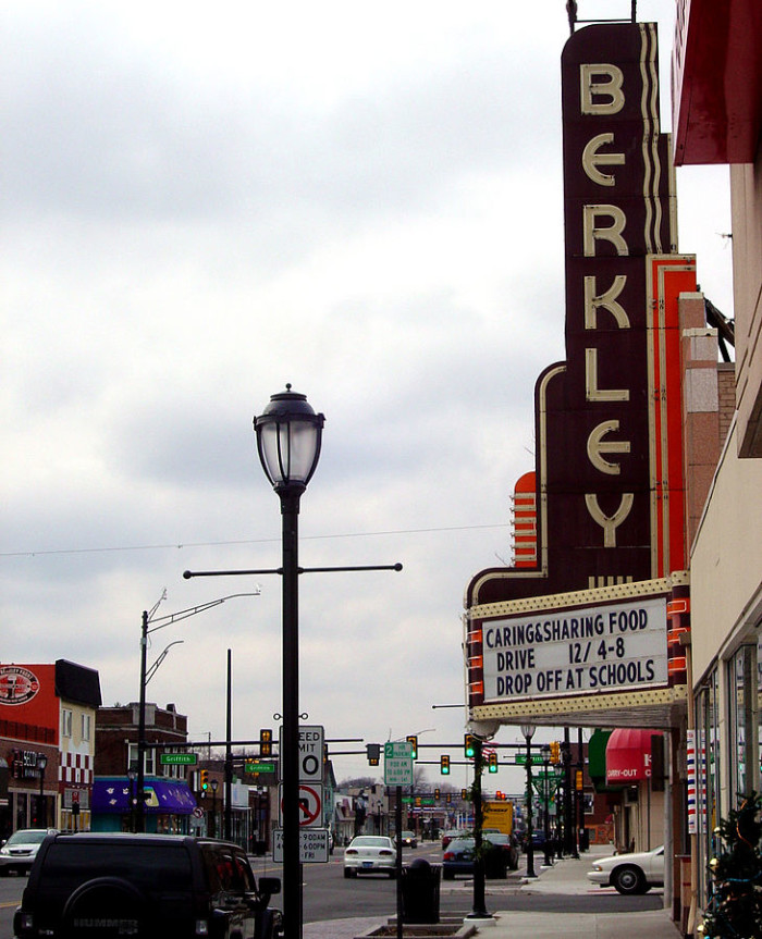 Places To Visit In Pontiac Michigan: Here Are The Safest And Most Peaceful Places In Michigan