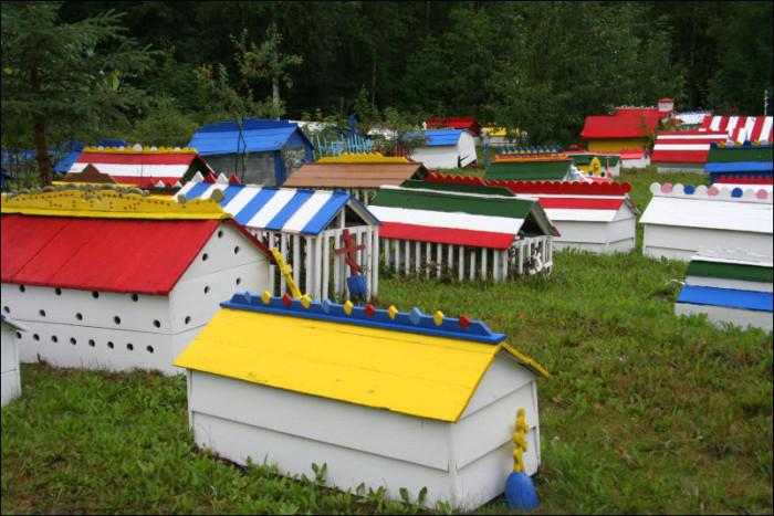 6) Burial Spirit Houses