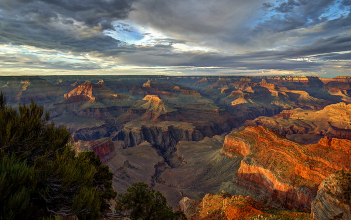 7. Hopi Point for an incredible sunset photo at the Grand Canyon.
