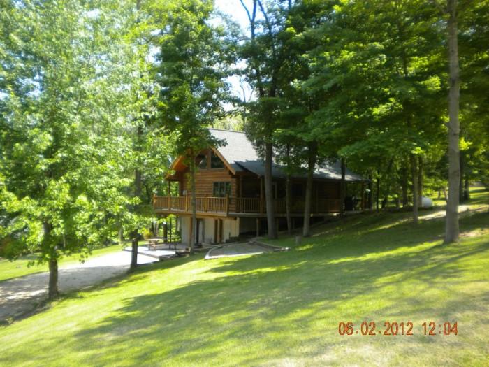 7. Grumpsters Log Cabins, McGregor