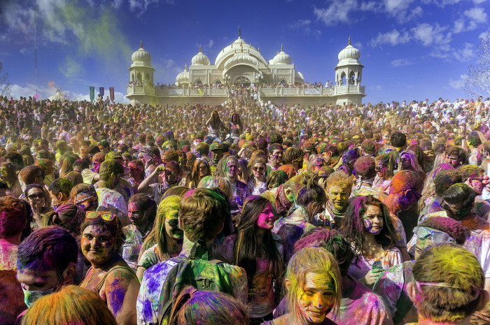 5) Utah Hosts the Largest Holi Festival in the U.S.