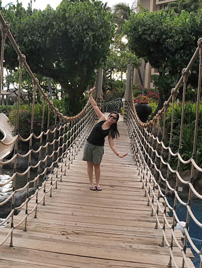 9) A pretty rope bridge connects guests of the Kaanapali Resort to snorkeling spots and open-air restaurants.