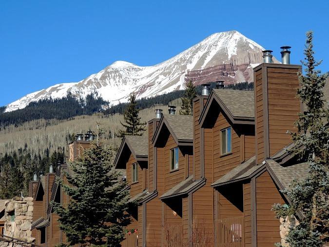 3. Cascade Village (Durango)