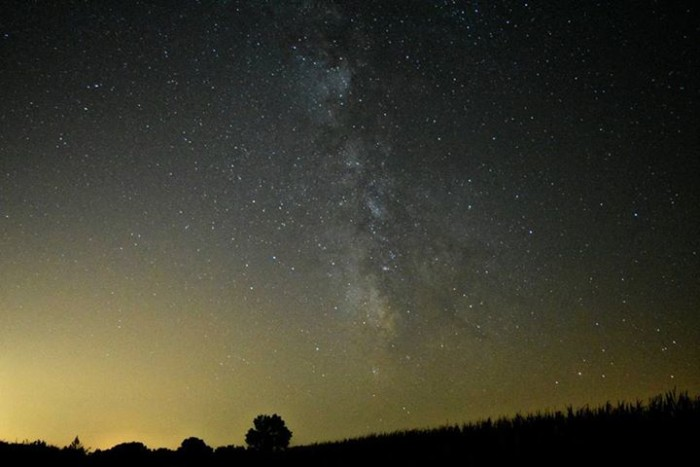 9. Grab a blanket, and lay it out on the ground for a relaxing night of star gazing. If you see a shooting star, make a wish.