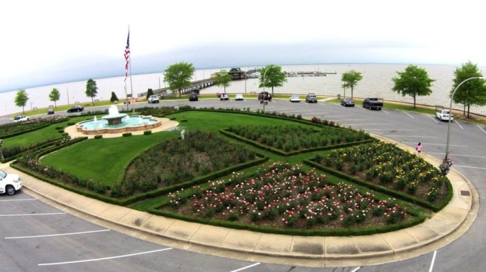 8. Fairhope City Rose Garden - Fairhope, AL